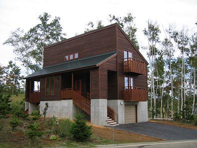 木の階段のある家1